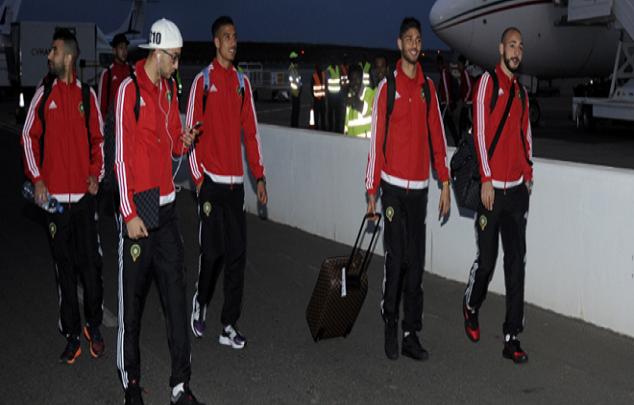 لحظة وصول بعثة المنتخب المغربي إلى مطار محمد الخامس