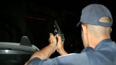 Photo of مفتش شرطة بفاس يضطر لاستخدام سلاحه لتوقيف شخص عرض حياة مواطنين للخطر