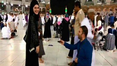 Photo of فيديو لشاب يتقدم لخطبة فتاة أمام الكعبة المشرفة