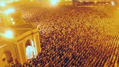 Photo of المغاربة والمساجد في رمضان.. حشود فاضت في الشوارع والأرصفة للصلاة