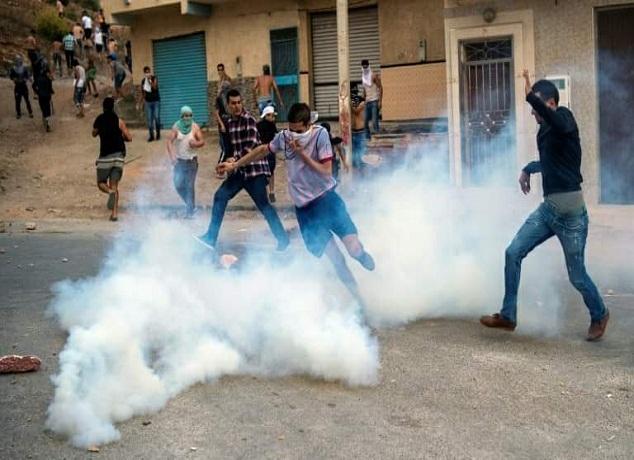 مواجهات ليليّة عنيفة بين محتجين والقوات العمومية بامزورن