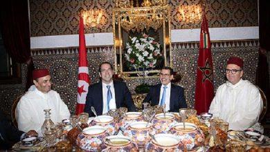 Photo of الملك محمد السادس يقيم مأدبة إفطار على شرف رئيس الحكومة التونسية