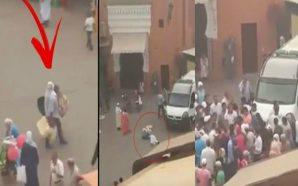 فيديو.. عون سلطة ينكل بامرأة مسنة ويرميها أرضاً في مراكش