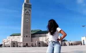 فتاة أجنبية في جولة سياحية بالدار البيضاء ترصد بكاميراتها شابين…