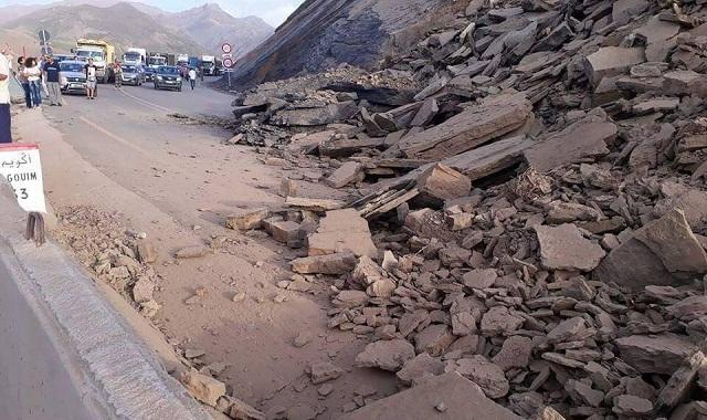 إعادة حركة السير بالطريق الوطنية رقم 9 عقب انهيار صخري كثيف بين تادارت و تيشكا