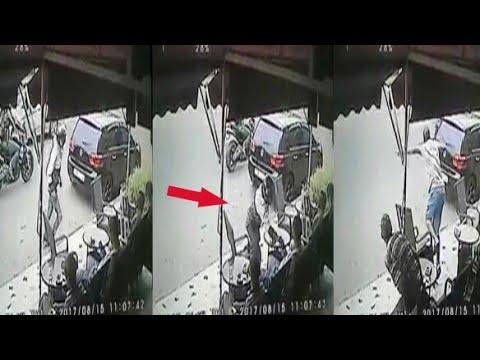 سرقوه وهو جالس فقهوة.. على المباشر التقطتها كاميرات المراقبة