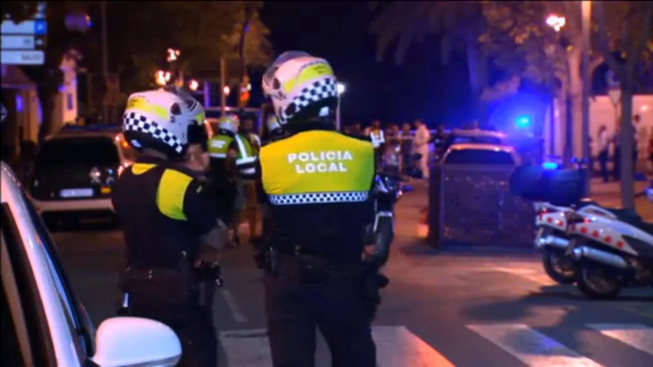 """الشرطة الإسبانية تقتل أربعة أشخاص تشتبه بأنهم """"إرهابيون"""" جنوب برشلونة"""