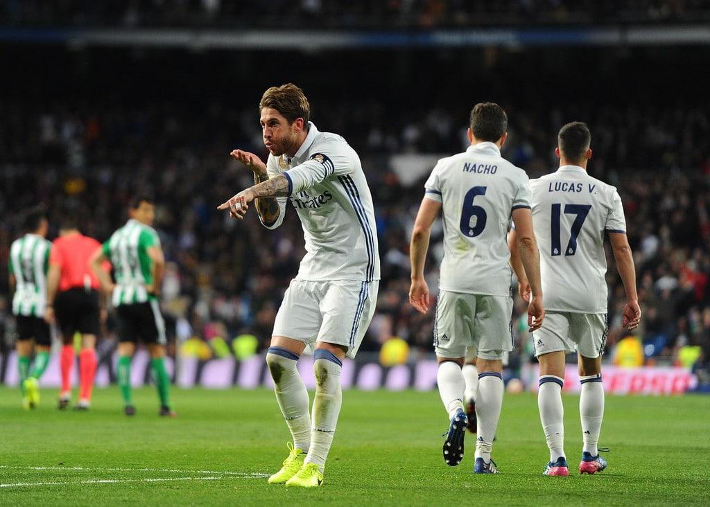 فيديو لقطة مثيرة: 12 لاعبا من ريال مدريد أمام بيتيس