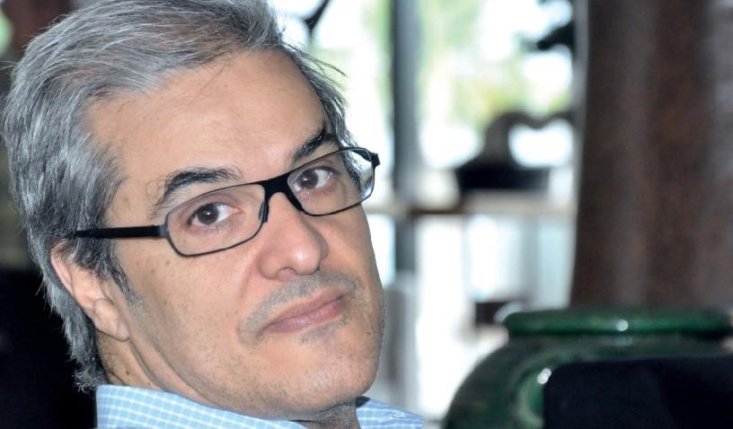 السلطات التونسية تطرد الأمير هشام العلوي وترحله إلى فرنسا