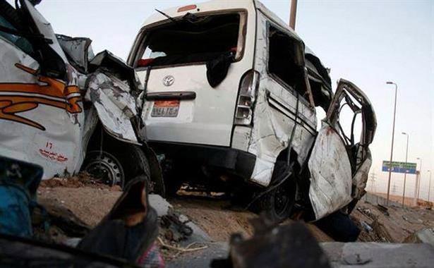 مصر: مقتل 15 شخصا في حادث مروري مروع