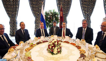 Photo of الملك محمد السادس يقيم مأدبة غذاء على شرف الوزير الأول الروسي ترأسها رئيس الحكومة