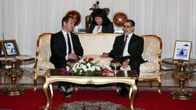 Photo of الوزير الأول الروسي دميتري ميدفيديف يصل إلى الرباط في زيارة عمل وصداقة للمغرب