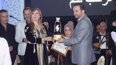 Photo of يوسف بحار يهدي جائزة تكريمه إلى روح الراحل نور الدين كرم