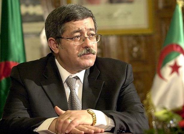 """الجزائر .. """"فوضى"""" في هرم السلطة"""