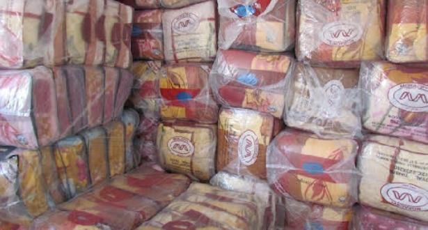 موجة البرد .. استفادة 51 ألف 710 عائلة من توزيع مواد غذائية وأغطية بعدد من الأقاليم