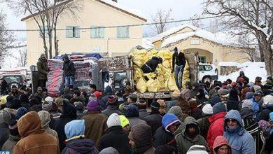 Photo of حوالي 1100 أسرة تستفيد من مساعدات غذائية وأغطية إثر موجة البرد بإفران