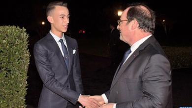 Photo of الملك محمد السادس يقيم مأدبة عشاء على شرف فرانسوا هولاند ترأسها ولي العهد الأمير مولاي الحسن