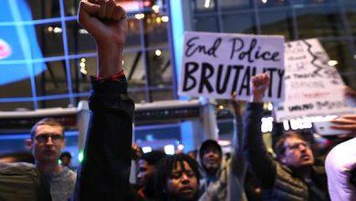 Photo of احتجاجات في كاليفورنيا بعد بث فيديو للشرطة وهي تطلق النار على شاب أسود أعزل