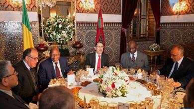 Photo of الملك محمد السادس يقيم مأدبة عشاء على شرف الوزير الأول المالي
