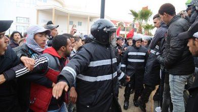 Photo of جرادة: حوالي 70 مصابا في صفوف القوات العمومية بسبب تهييج متطرفي العدل والإحسان والعدميين للمتظاهرين