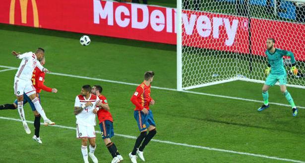 """مباراة تاريخية للأسود وتقنية """"الفار"""" تهدي التعادل لإسبانيا"""