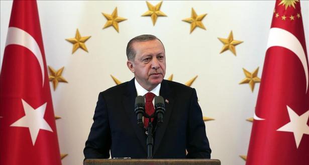 اردوغان يعلن مقاطعة تركيا للأجهزة الإلكترونية الأميركية