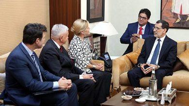 Photo of رئيس الحكومة يتباحث بالرباط مع وفد من الأعضاء السابقين بالكونغرس الأمريكي