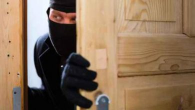 Photo of يترك بطاقة الهوية أثناء سرقة متجر