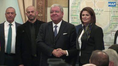 Photo of ريا الحسن أول وزيرة داخلية بالعالم العربي تتسلم مهامها رسميا