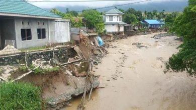 Photo of إندونيسيا.. إرتفاع حصيلة ضحايا الفيضانات إلى 77 قتيلا