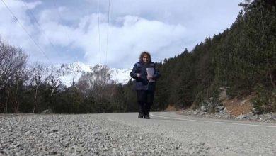 Photo of فيديو.. مسنة روسية في الـ 82 من عمرها تواصل عملها الشاق!