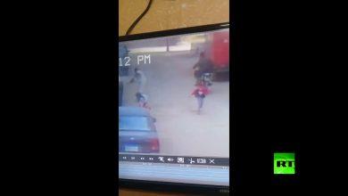 Photo of مصر.. فتاة تهرب من خاطفها في اللحظات الأخيرة والكاميرات ترصد الواقعة