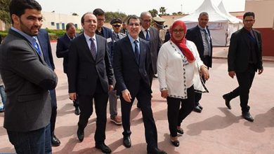 "Photo of منتدى ""كرانس مونتانا"": رئيس الحكومة يتفقد حملة طبية متعددة الاختصاصات لفائدة مواطني جنوب الصحراء المقيمين بالداخلة"