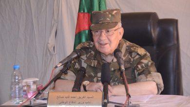 Photo of رئيس أركان الجيش الجزائري يفرض تطبيق الفصل 102 من الدستور