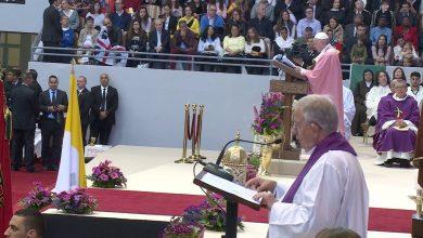 Photo of الرباط: البابا فرانسيس يترأس حفلا دينيا حضره حوالي 10 آلاف شخص