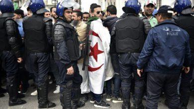 Photo of للأسبوع الثامن على التوالي: الجزائريون يتظاهرون من أجل رحيل رموز النظام