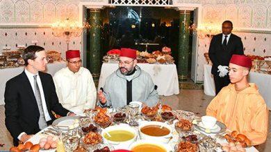 Photo of الملك يقيم مأدبة إفطار على شرف السيد جاريد كوشنير المستشار الرئيسي للرئيس الأمريكي