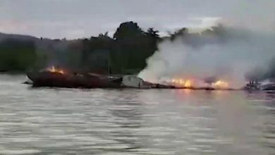 "Photo of مقال 7 أشخاص في حريق ""عبارة"" بإندونيسيا"