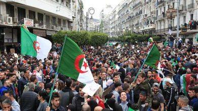 Photo of الطلبة يتظاهرون في العاصمة الجزائرية ضد الانتخابات الرئاسية
