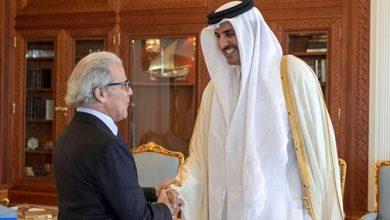 Photo of أمير دولة قطر يستقبل والي بنك المغرب عبد اللطيف الجواهري