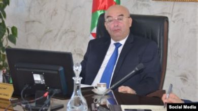 "Photo of وزير الداخلية الجزائري يصف المعارضين لانتخابات الرئاسة بأنهم ""خونة ومثليون"""