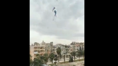Photo of رويترز (فيديو): مسلحون مدعومون من تركيا أسقطوا مروحية تابعة للجيش السوري شمال غربي البلاد