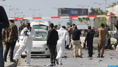 Photo of تونس: مصرع إرهابيين اثنين وإصابة 5 أمنين ومدني في تفجير انتحاري بمحيط السفارة الأمريكية