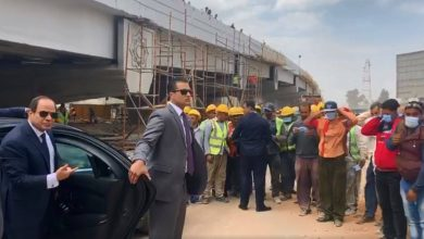 Photo of فيديو: السيسي ينفعل في الشارع ويوبخ ضباطا في الجيش بسبب كورونا