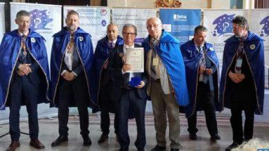 Photo of رومانيا: توشيح المغربي كمال الديساوي بوسام خاص لمساهمته في تقدم العلوم والاختراعات في العالم