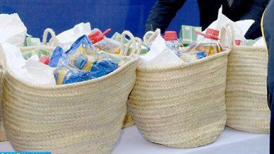 Photo of كوفيد-19: مؤسسة المدى توزع 50 ألف قفة من المواد الغذائية ومنتجات النظافة لدعم الأسر المغربية الأكثر هشاشة