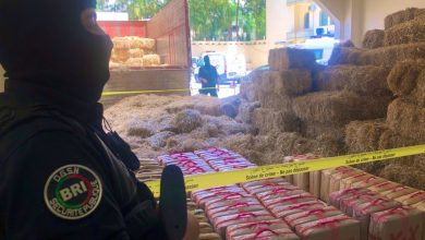 Photo of بالصور: حجز كمية مهمة من المخدرات تخص شبكة إجرامية واعتقال سائق الشاحنة