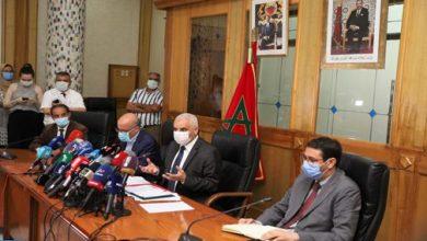 Photo of وزير الصحة يكشف عن السبب المباشر في العودة المقلقة لفيروس كورونا