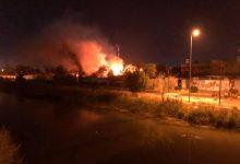 Photo of محتجون يضرمون النار في مبنى محافظة الديوانية بالعراق