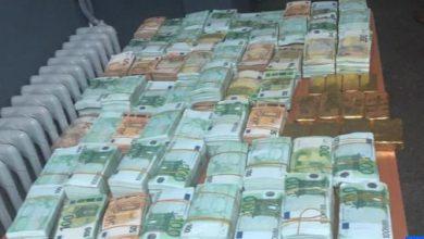 Photo of وجدة بالصور: حجز 20 كيلوغراما من صفائح الذهب وأزيد من مليوني أورو